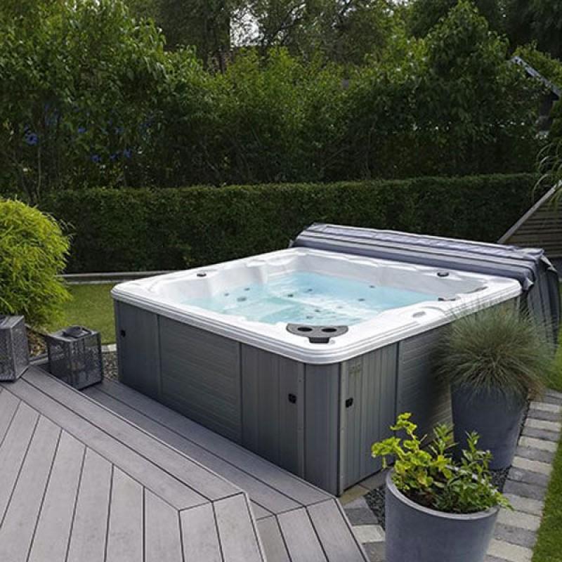 Vasca spa idromassaggio minipiscina naxos da 200x200x78 cm for Vasche da giardino in plastica