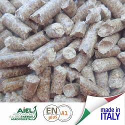 69 sacchi pellet italiano in legno di Faggio 1035 kg