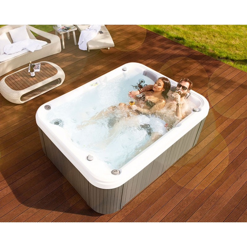 Spa Weekend X 3 Persone 200x150x78 Con Stereo San Marco
