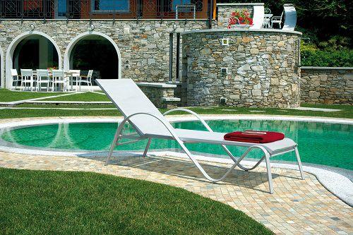 Consigli arredo giardino con piscina - Lettino piscina alluminio ...